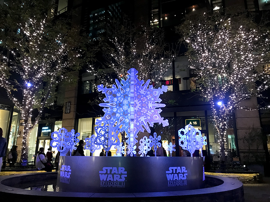 丸の内ブリックスクエア 三菱一号館広場 ETERNAL SNOW ~キラキラと輝く結晶、キャラクターとの競演~