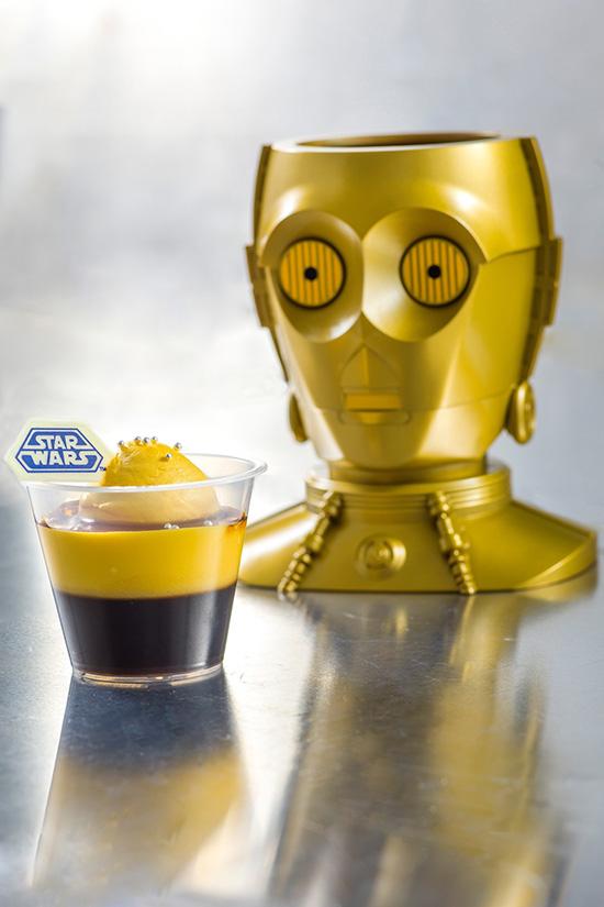 C-3PO バニラムース&コーヒーゼリーのカップデザート、スーベニアホルダー付き